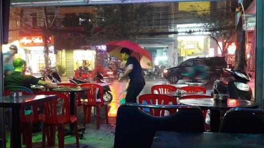 des mots sous la pluie